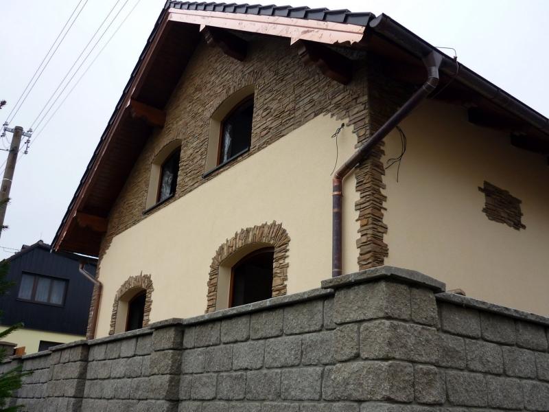 Материалы для декоративной штукатурки фасада